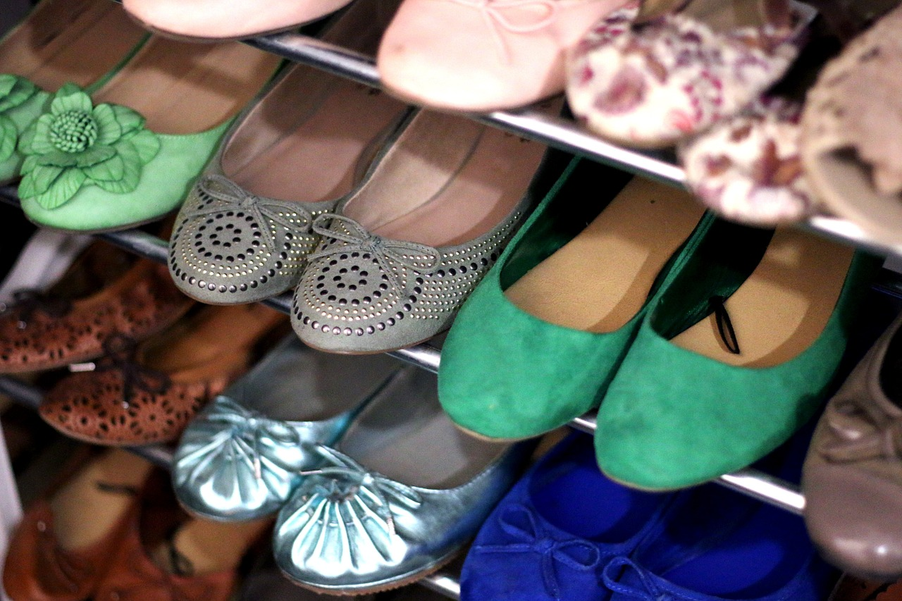 Szafka na buty do przedpokoju – jaką wybrać?